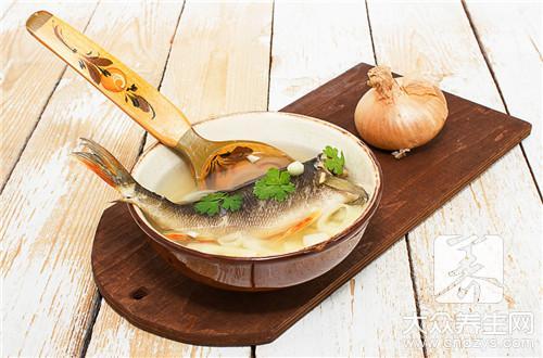 葱油鲈鱼的家常做法步骤是什么?