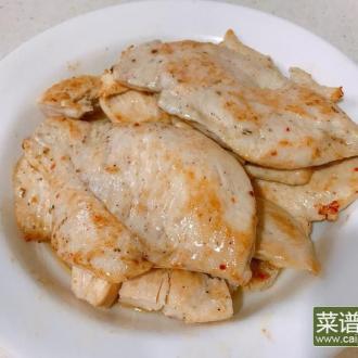 香草嫩煎鸡胸肉