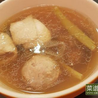 剥皮辣椒炖鸡汤