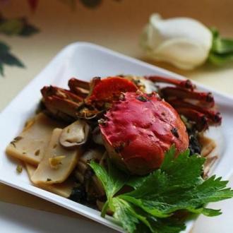 雪菜年糕炒湖蟹