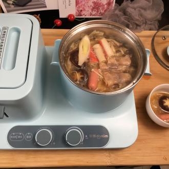鲜菌菇肥牛锅