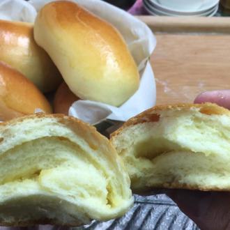 牛奶苹果馅面包