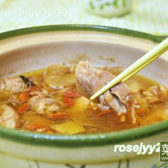 砂锅生姜鸡汤