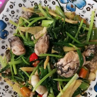 芹菜炒生蚝肉