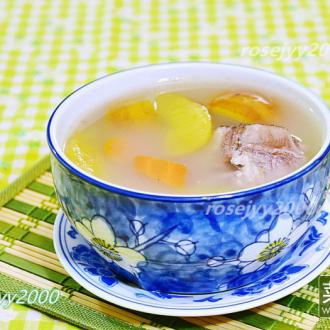 咸猪骨苹果甘笋汤
