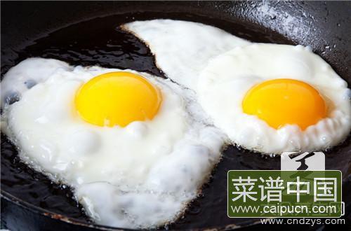 煎荷包蛋怎么不粘锅_