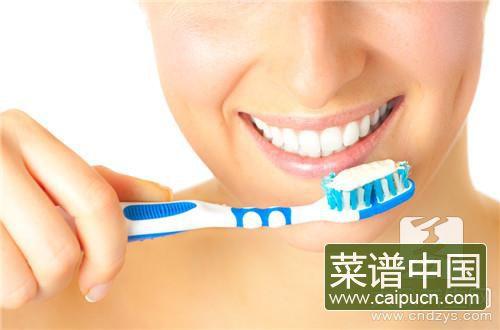 牙膏中的氟有什么作用
